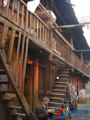 老百姓最得实惠的旧城改造项目,但因四排房的大部分住户存在